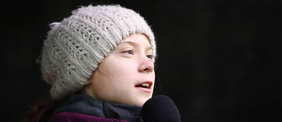 Greta Thunberg talar på Medborgarplatsen i Stockholm