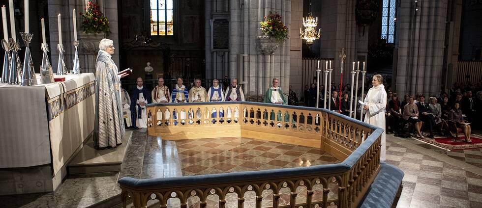 Högmässa med biskopsvigning i Uppsala domkyrka.