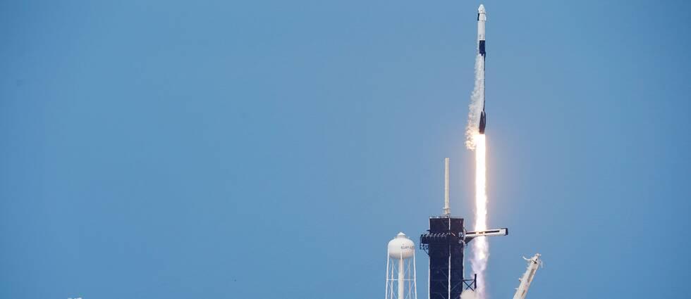 Falcon 9-raketen skjuts upp
