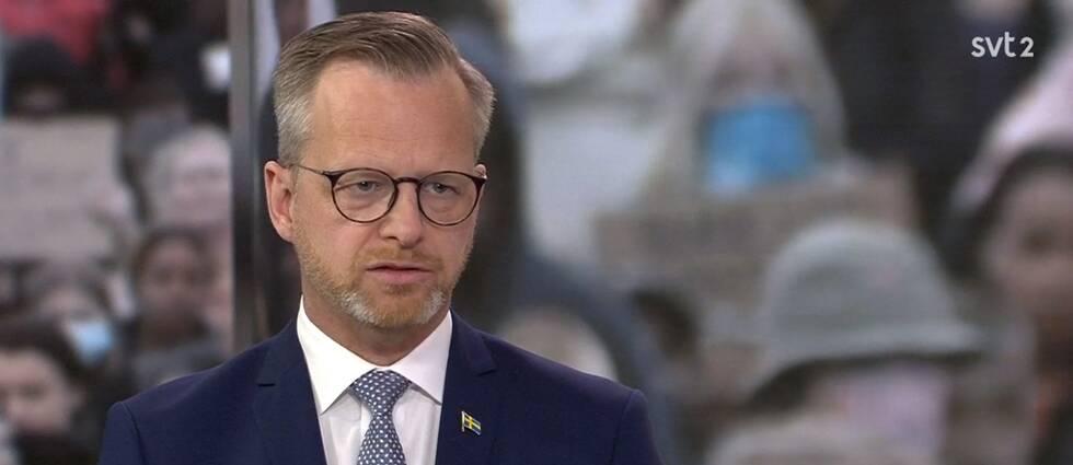 Inrikesminister Mikael Damberg (S) är mycket kritisk till att människor samlas i stora demonstrationer under rådande pandemi.