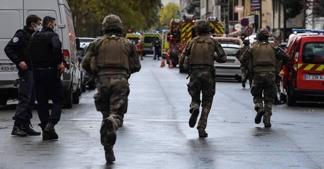 Fyra skadade i knivattack i Paris