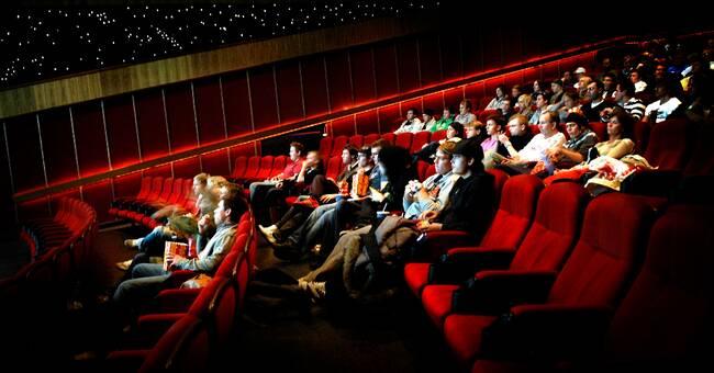 Överflöd av filmer när biograferna öppnar i Europa