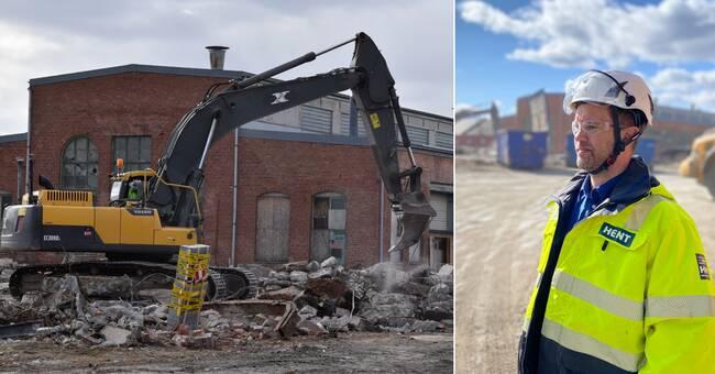 Full fart på rivningen vid SJ-området i Bollnäs – bandyhall ska stå klar sommaren 2022