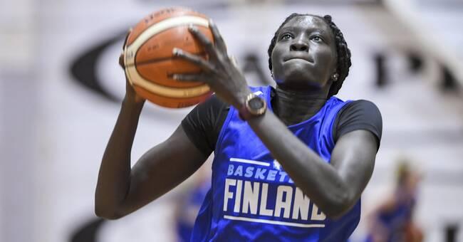 Finländska historisk – draftades som nummer två i WNBA