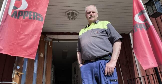 Anställda vid nedläggningshotade Kvarnsvedens pappersbruk lever på hoppet