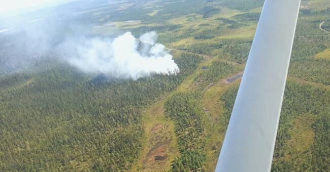 Fortsatta skogsbränder längs fjällkedjan i Norrbotten – MSB skickar helikopter