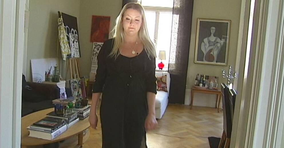 Foto med killar i klänning fick nej | SVT Nyheter