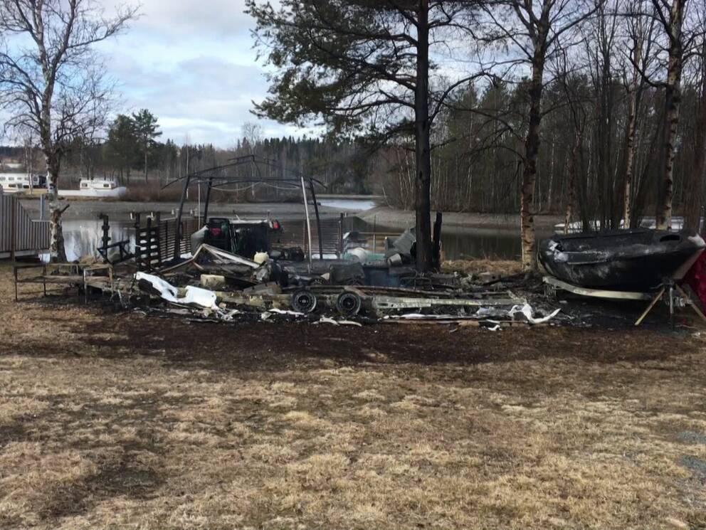 Husvagnsbrand p camping i Krokom | SVT Nyheter