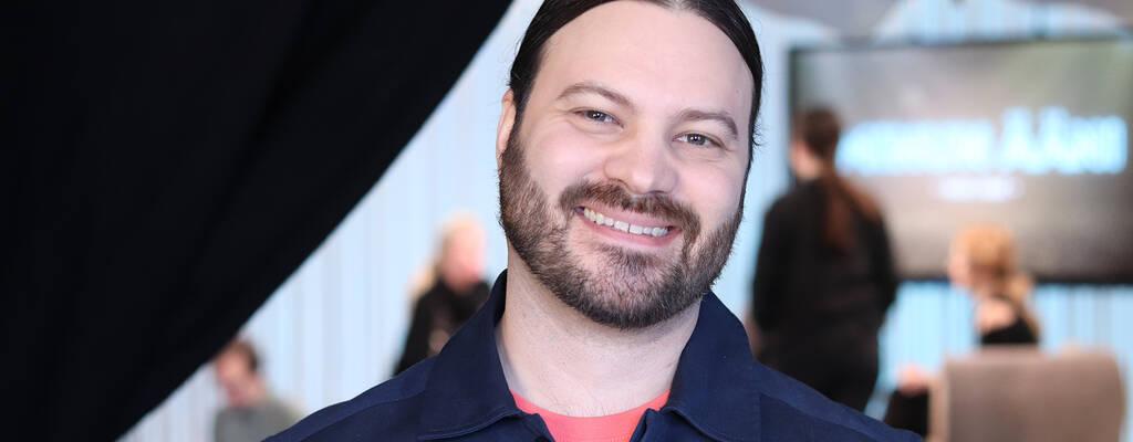 Programledare Henrik Niva.