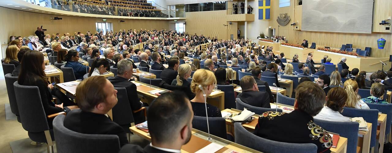 Riksdagsledamöter samlade i riksdagens plenisal vid riksmötets öppnande 2018.