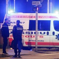 SVT:s reporter och en ambulans
