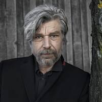 Anders Olsson, Svenska Akademiens ständige sekreterare, och författaren Karl Ove Knausgård.