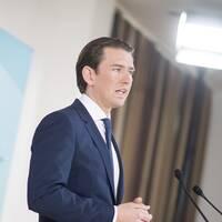 Förbundskansler Sebastian Kurz under måndagens presskonferens.