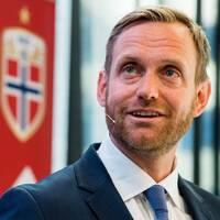 Ada Hegerberg och Norges svenska förbundskapten Martin Sjögren.