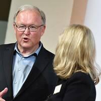 Göran Persson under Swedbanks extra stämma i Folkets hus i Stockholm. Swedbank, som utreds av myndigheter för misstänkt penningtvätt i fem länder.