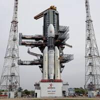 Indisk rymdfarkost och månen.