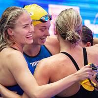 Michelle Coleman, Sarah Sjöström, Hanna Eriksson och Louise Hansson simmade för Sverige.