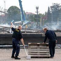 Polisen utreder storbranden som en grov mordbrand.