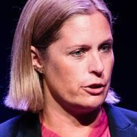 Johanna Hemming-Hamberg, kommunikationsansvarig på SHL, kräver svar från ishockeyförbundet.