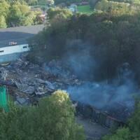 Drönarbilder från branden i Slottsskogsvallen.