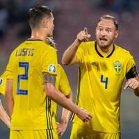 Lagkapten Andreas Granqvist och det svenska laget i EM-kvalmatchen borta mot Malta.