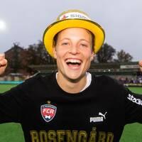 Anna Anvegård jublar efter SM-guldet.