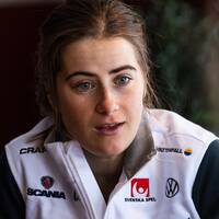 Ebba Andersson föll under gårdagens löpträning och skadade samma knä som hon tidigare haft problem med.