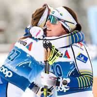 Förbundsdirektör Ola Strömberg till vänster Charlotte Kalla och Ebba Andersson till höger.