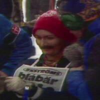 Se den maskerade kvinnan som tävlade i Vasaloppet