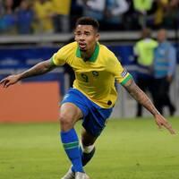 Brasiliens Gabriel Jesus, född 1997, riskerar att missa OS.