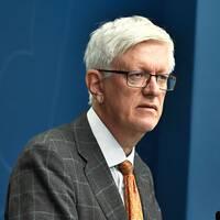Johan Carlson, generaldirektör på Folkhälsomyndigheten håller pressträff tillsammans med socialminister Lena Hallengren med anledning av covid-19 och restriktionerna för alla personer över 70 år.