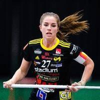 VM-guldmeriterade Sara Steen under match.