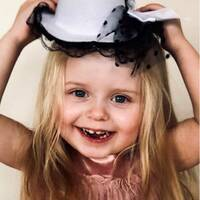 Rådman Fredrik Lenter vid Norrköpings tingsrätt och den treåriga flickan Esmeralda som dog i hemmet.