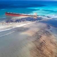 Den läckande oljetankern utanför Mauritius