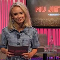 "Programledaren för ""Mu Jietna"" Ida Persson Labba."