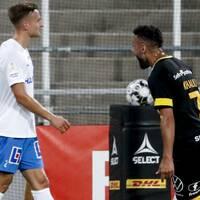 Hammarbys Abbe Khalili jublar efter att ha gjort 1-2 på övertid under torsdagens fotbollsmatch i allsvenskan mellan IFK Norrköping FK och Hammarby IF på Östgötaporten i Norrköping.