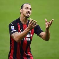 Zlatan Ibrahimovic gestikulerar under Milans ligapremiär i måndags.