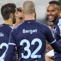 Malmös Isaac Kiese Thelin (th) jublar med lagkamraterna efter sitt 1-0-mål under torsdagens kval till Europa League, tredje omgången, mellan Malmö FF och NK Lokomotiva Zagreb på Eleda Stadion.