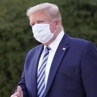 Donald Trump och Joe Biden i munskydd.