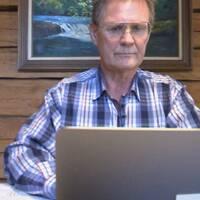 valsedel till USA-valet, Anders Frankén sitter bakom en laptop