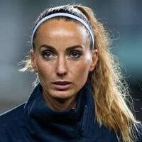 Kosovare Asllani är inte nöjd med Uefas pengafördelning.