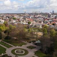 En drönarbild över stadsparken i Lund.