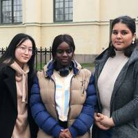 Chelly Lam, Felicia Nyambura, Noor Alafregy, Linnea Sundin Johansson och Felicia Mäkinen är alla berörda av dagens beslut. Hör dem berätta i videon ovan.