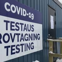 skylt vid entré till provtagning för covid-19