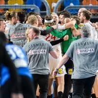 Danmark jublar efter den dramatiska kvartsfinalen mot Egypten.
