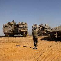 Israeliska soldater nära gränsen mot Gaza.