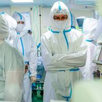 Intensivvårdspersonal på ett av Moskvas sjukhus