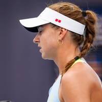 Sveriges Rebecca Peterson under matchen mot Elena Rybakina, Kazakstan, under tredje omgången av damernas tennis under sommar-OS i Tokyo.