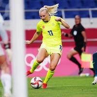 Sveriges Stina Blackstenius mot Australiens Aivi Luik under gruppspelsmatchen lagen emellan tidigare under OS. Sverige vann med 4–2. Nu möts lagen igen, i semifinal.