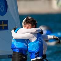Anton Dahlberg och Fredrik Bergström efter OS-silvret.